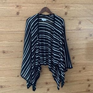 CALVIN KLEIN PONCHO BLACK WHITE WRAP SHRUG LAYER
